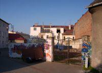 Ulice Malá - pohled na zadní stranu hotelu Slavie