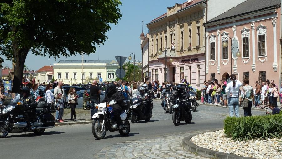 7. května 2016 – Náměstí Dr. E. Beneše – jarní MOTO vyjížďka (20,4 °C)