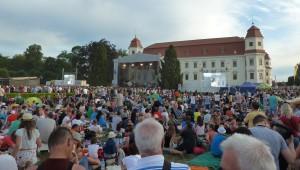 18. června 2016 – Holešovská Regata v zámeckém parku - skupina TataBojs (20,2 °C)