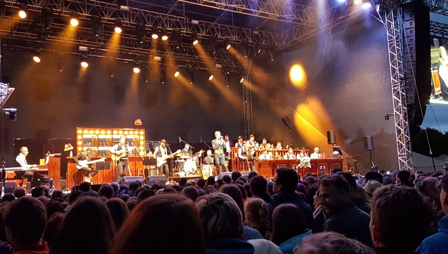 17. června 2017 – Holešovská Regata v zámeckém parku - Vojtěch Dyk a B-Side Band