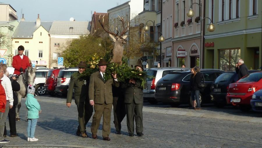 4. listopadu 2018 – Svatohubertský den v Holešově (9,9 °C)