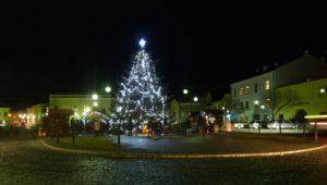 25. prosince 2018 – Vánoční strom na nám. Dr. E. Beneše (+2,6 °C)