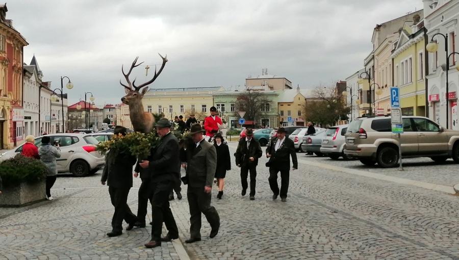 3. listopadu 2019 – 8. Svatohubertský den v Holešově (14,1 °C)